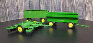1/16 Scale Ertl John Deere (3)-implements