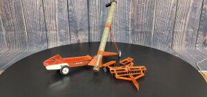 1/16 Scale Carter Tru-Scale (3)-implements