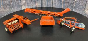 1/16 Scale Carter Tru-Scale (4)-implements w/metal rims