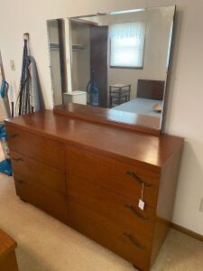 Kroehler Dresser with mirror