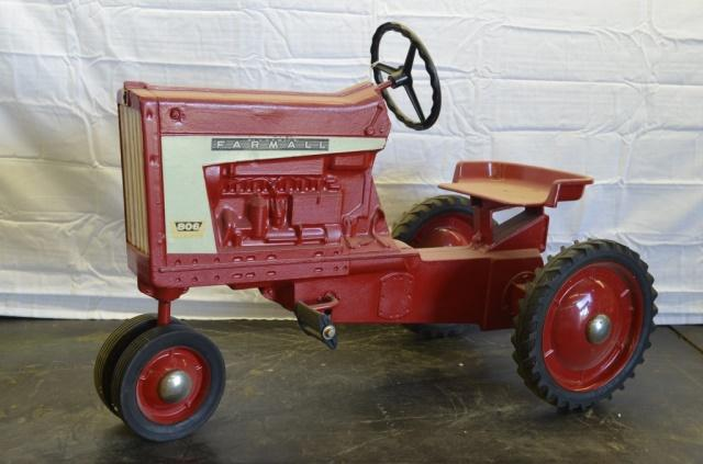 Junior Pedal Tractors Antique : Farmall pedal tractor price estimate