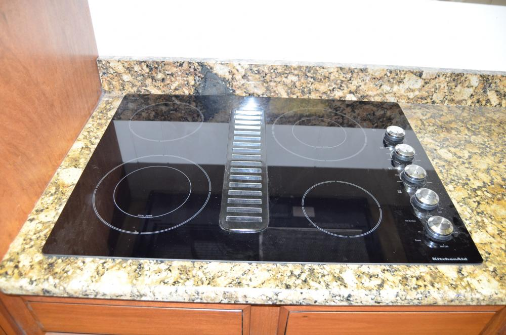 Lot 2 Of 130 Kitchen Aide Drop In Stove Top