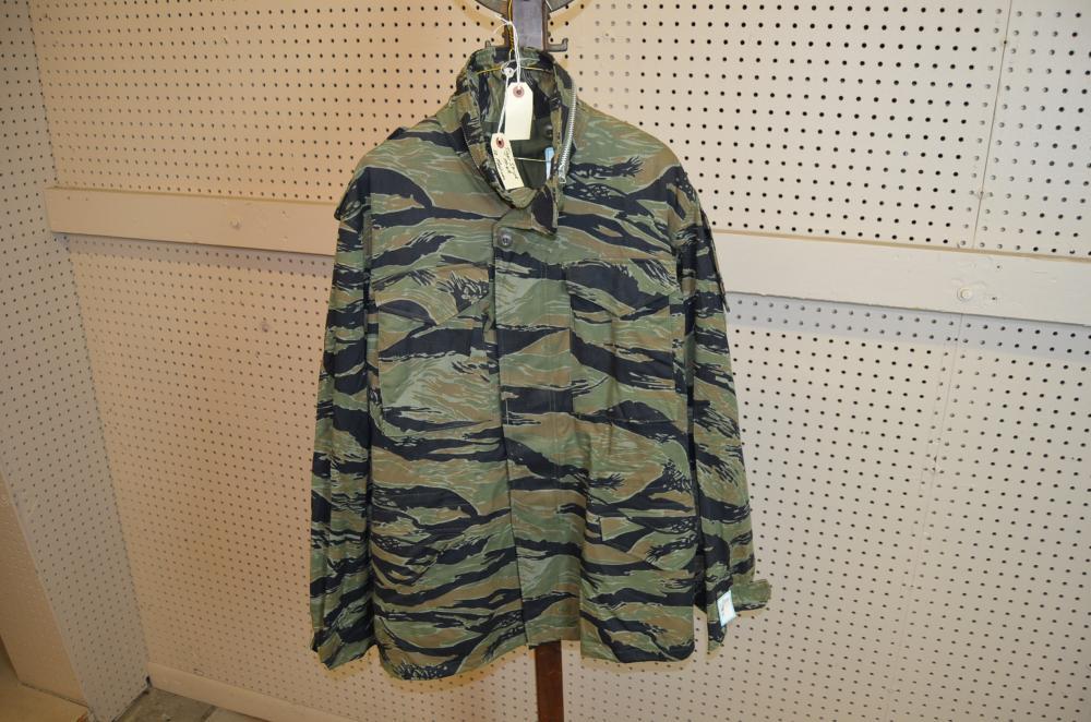 c66d70ddbc1a2 Lot 49 of 1055: Tiger Stripe M-65 Field Jacket