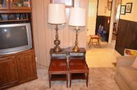 (2) Side Tables and (2) Lamps Lot