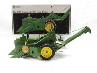 1/16th Ertl John Deere 4020 w/237 Corn Picker