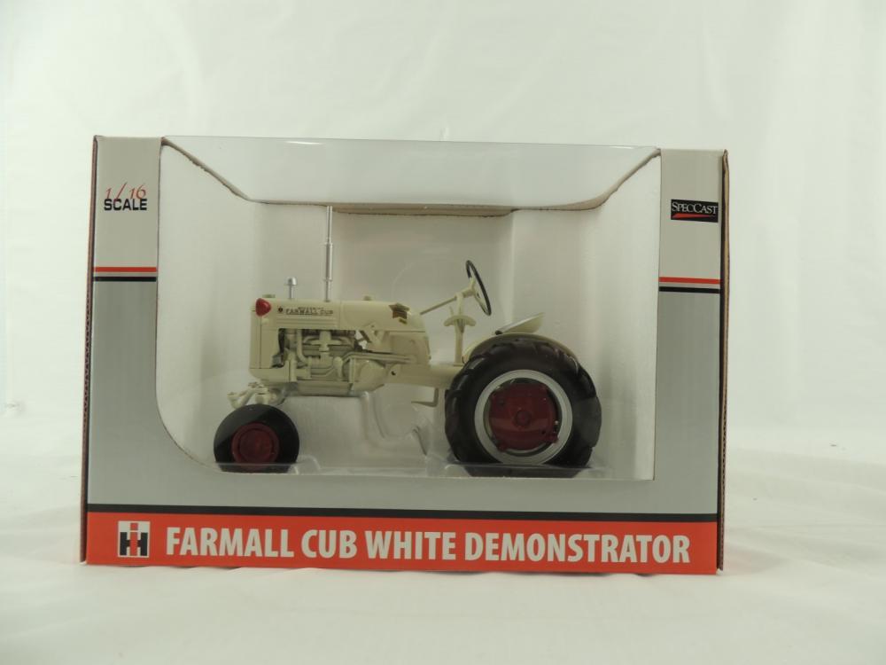 1/16th Spec Cast Farmall Cub White Demonstrator