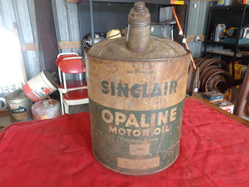 Lot 131 of 349: Sinclair Opaline Motor Oil 5-gallon can