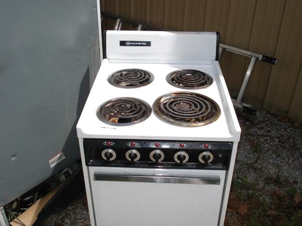 Brown Brand Apartment Sized electric Range , Missing one Burner