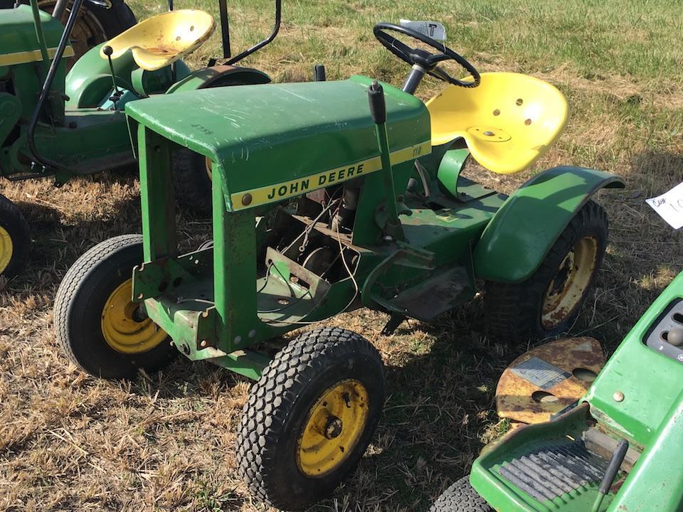 Lot 213john Deere 110 Lawn Tractor Parts Tractor