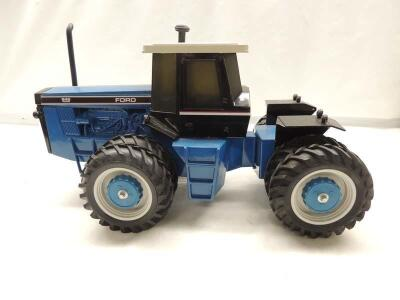 1/16th Scale Models Ford-Versatile 846