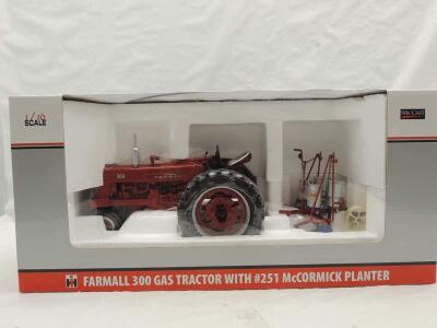 1/16th Spec Cast Farmall 350 Gas w/#251 McCormick Planter