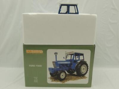 1/16th Universal Hobbies Ford  7000